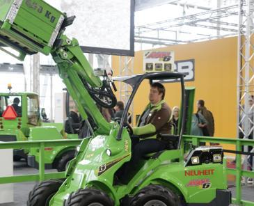 EuroTier - La manutention passe par les machines articulées