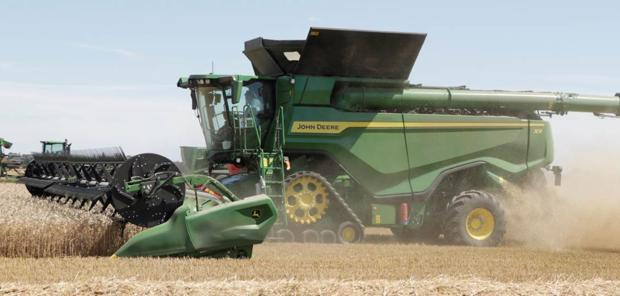 Moissonneuse-batteuse - La X9 John Deere entre en action