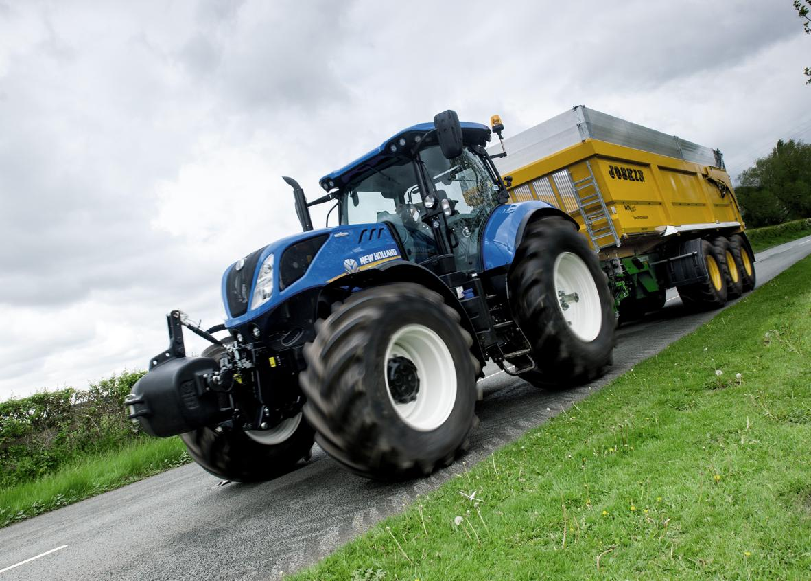 New Holland  - Pont avant revu sur le T7 à empattement long
