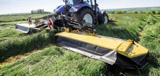 New Holland - Des faucheuses triples au catalogue